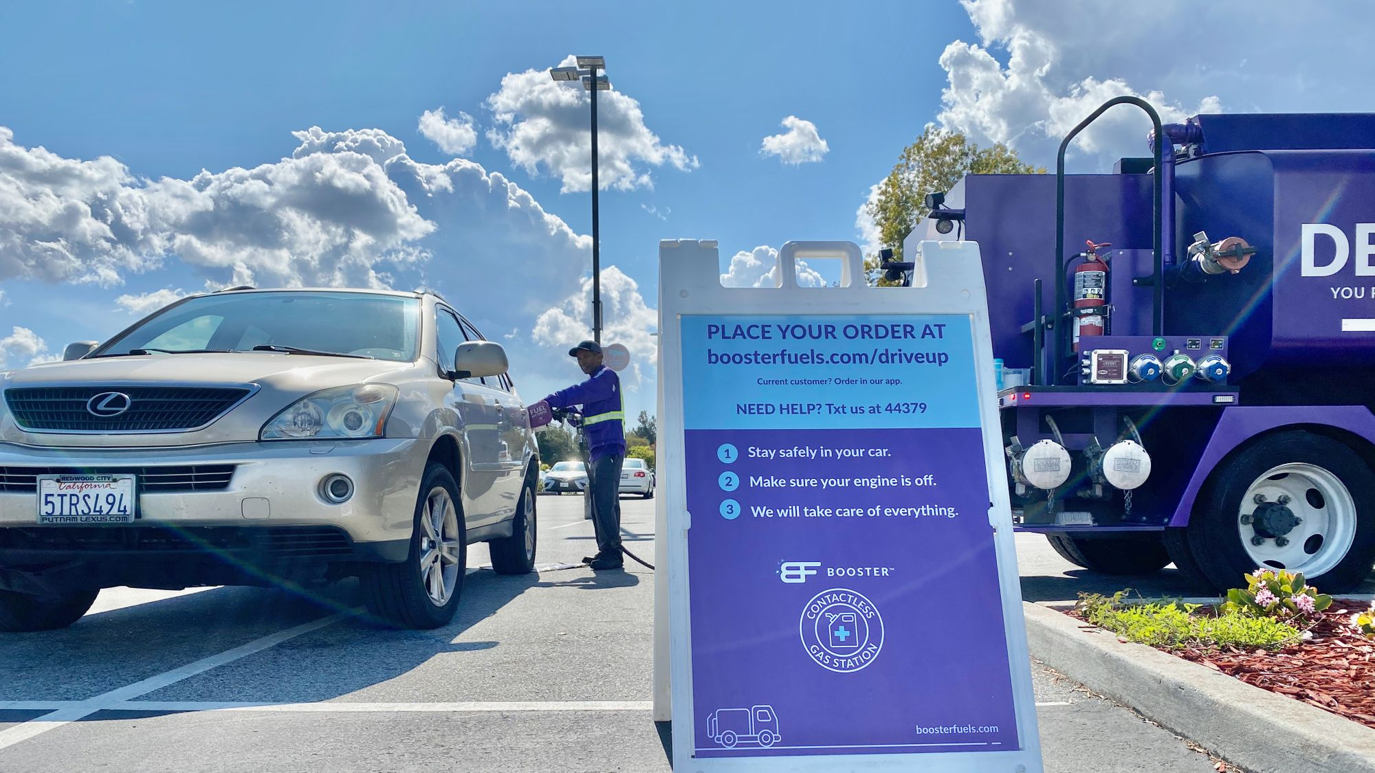 Keeping Communities Moving: Mobile Fueling's Role During the  COVID-19 Pandemic